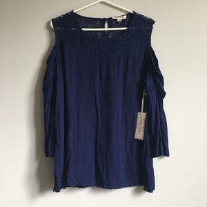 NWT. Blue Band Crush-Buckle blouse